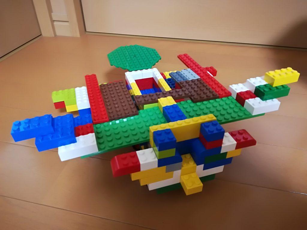 飛行機っぽいレゴ